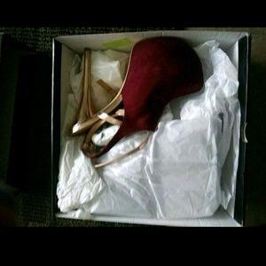 Shoes/pumps/heels